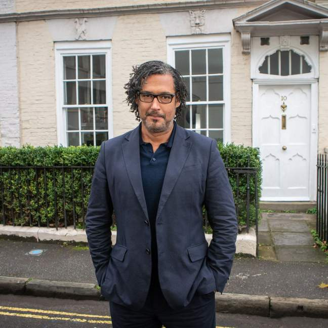 This image has an empty alt attribute; its file name is a-house-through-time-david-olusoga-bristol.jpg